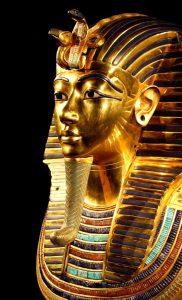 gold tutankhamun statue